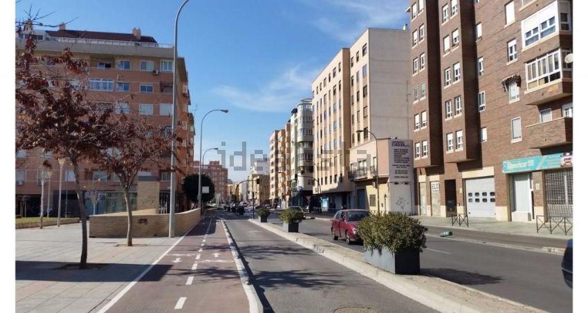 Piso en avenida nuestra señora de montserrat, Nueva Andalucía - Regiones, Almerí