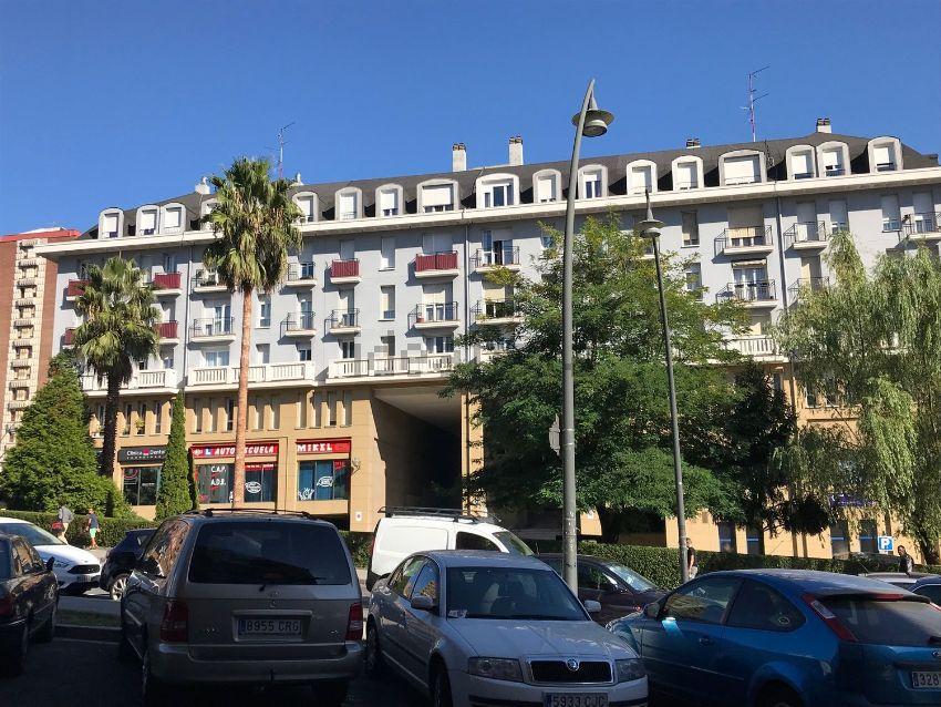 Piso en avenida Txomin Garat, Bilbao, Otxarkoaga - Txurdinaga, Bilbao