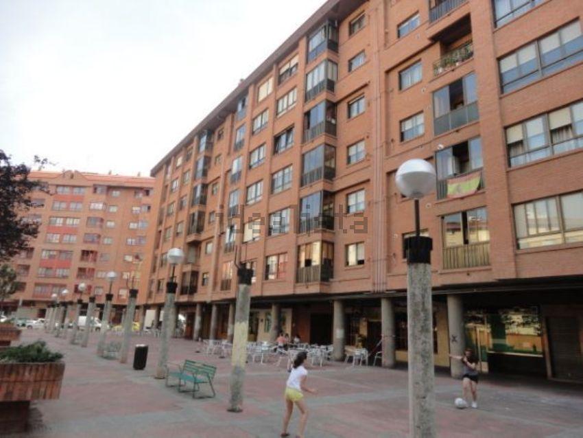 Piso en plaza del Doctor López Saiz, San Agustín-Parque Europa, Burgos