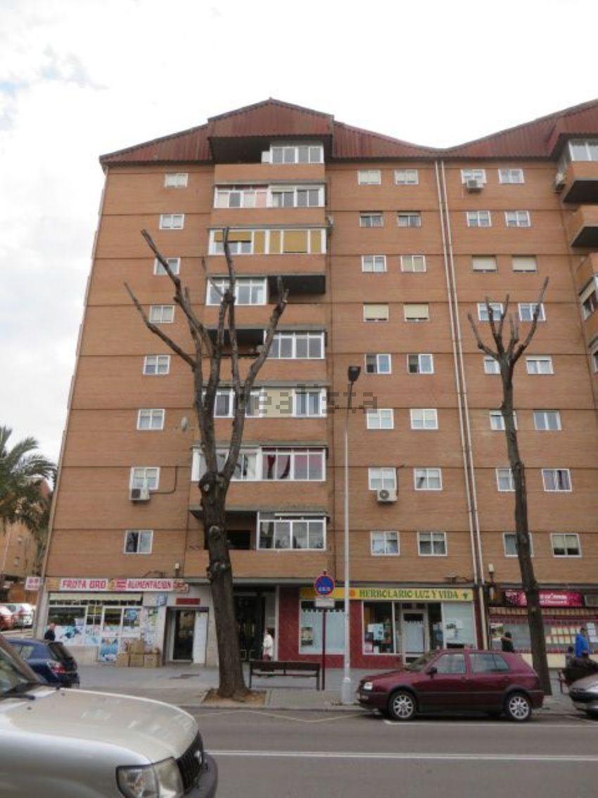 Piso en calle del Cardenal González de Mendoza, Constitución-El Balconcillo, Gua