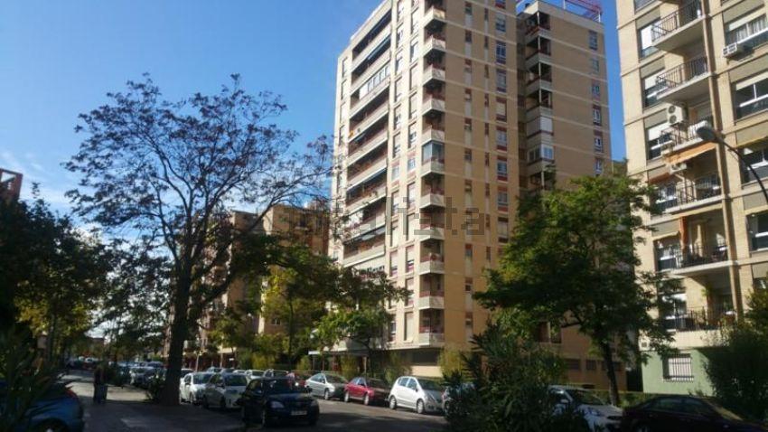 Piso en calle de Asín y Palacios, 34, Pol Universidad Romareda, Zaragoza