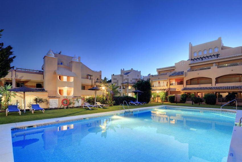 Piso en calle Laurel, Elviria, Marbella