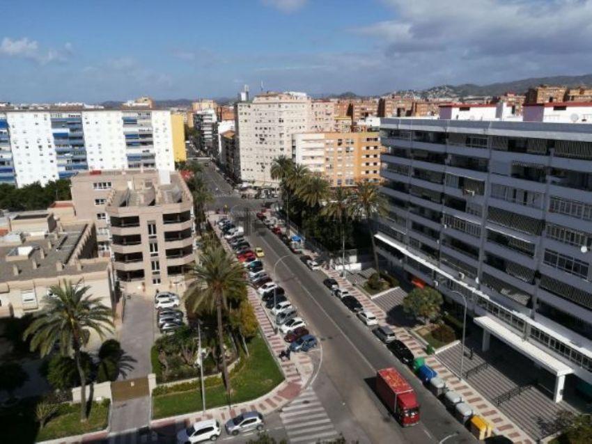 Piso en calle Guillermo Carrera Rubio, Los Guindos - Parque Mediterráneo - Santa