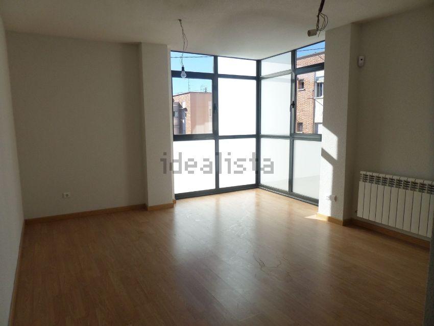 Casas en venta con hipotecas de 550 euros al mes o menos for Piso idealista madrid
