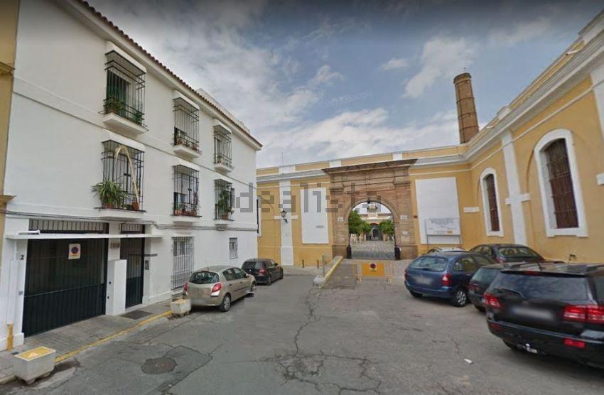 Piso en san bernardo, s n, San Bernardo-Buhaira-Huerta del Rey, Sevilla