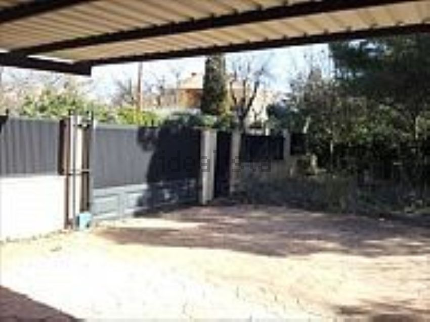 Chalet pareado en calle Salvia, Villalbilla