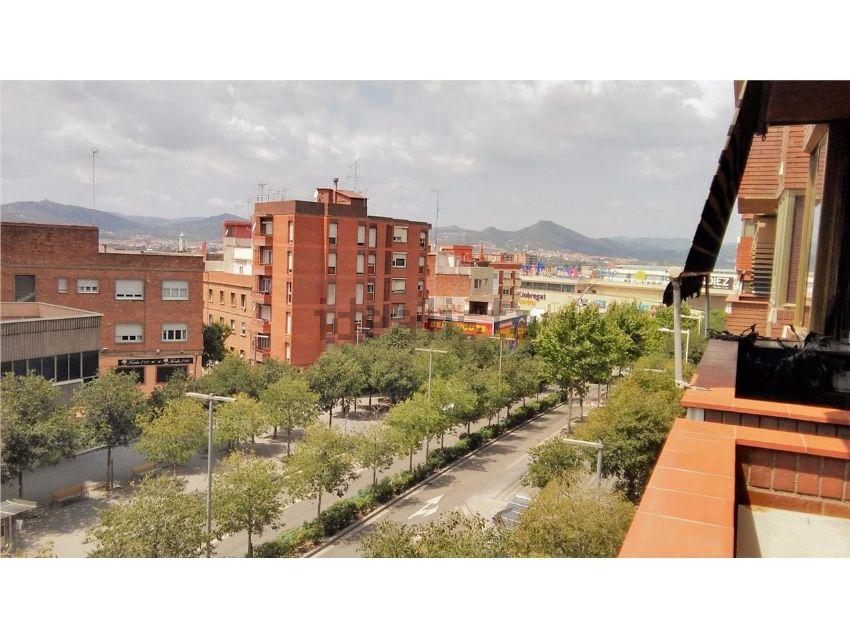 Piso en carretera d esplugues, Centre, Cornellà de Llobregat