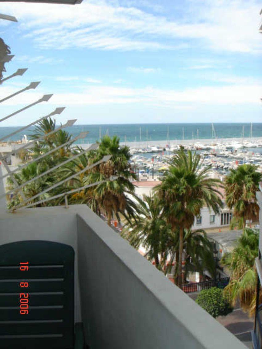 Piso en avenida Duque de Ahumada, 8, Playa Bajadilla-Puertos, Marbella