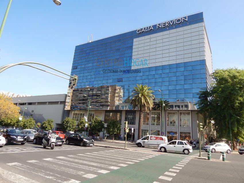 Piso en avenida Eduardo Dato, Nervión, Sevilla