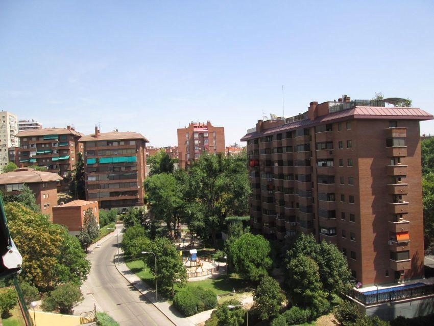 Piso en calle Tremp, Ciudad Universitaria, Madrid