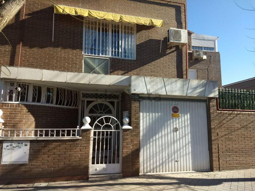 Chalet pareado en calle de Concha Espina, 4, Sureste, Torrejón de Ardoz