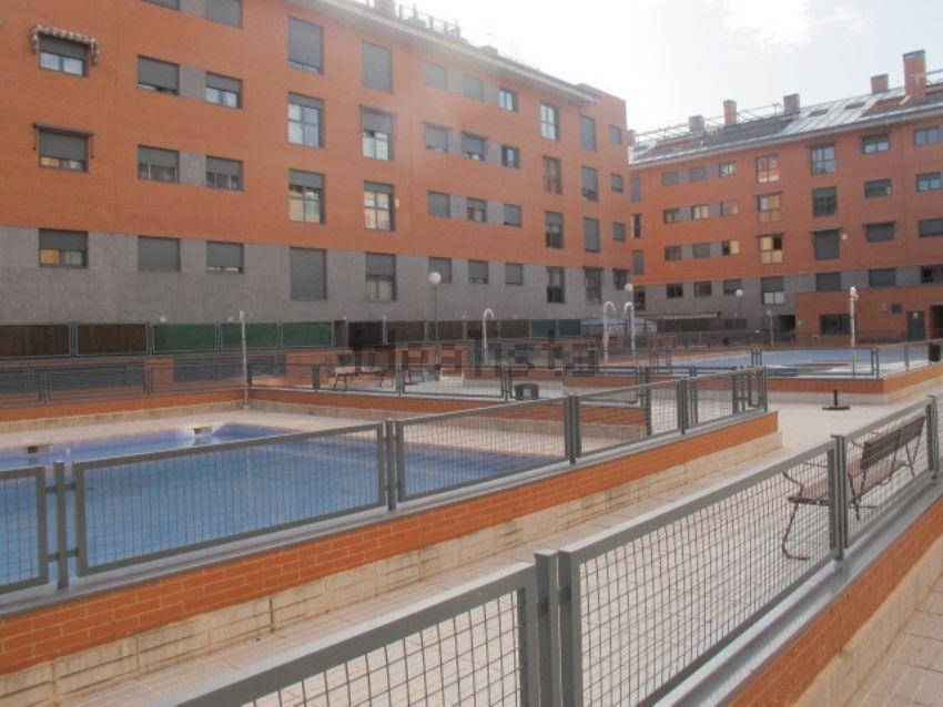 Los pisos nuevos con piscina m s baratos idealista news - Pisos baratos pinto ...