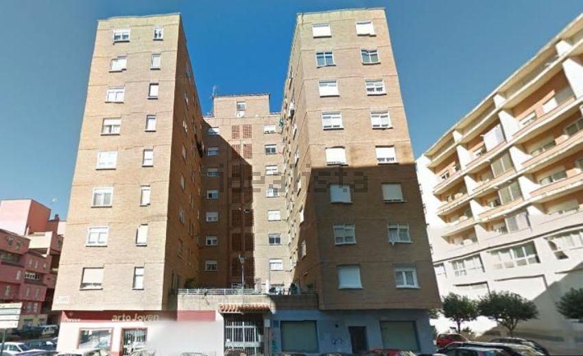 Piso en calle San Isidro, Santa Marina - La Paz, Badajoz