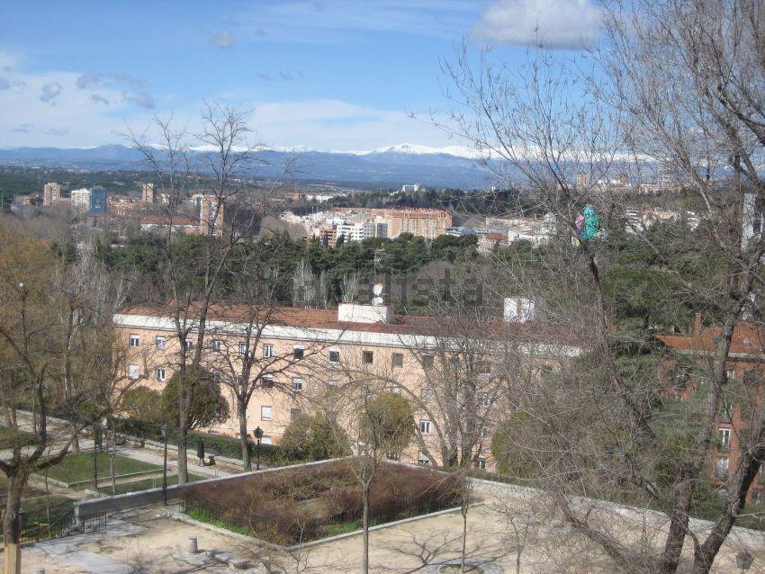 Piso en plaza de Gabriel Miró, 4, Palacio, Madrid