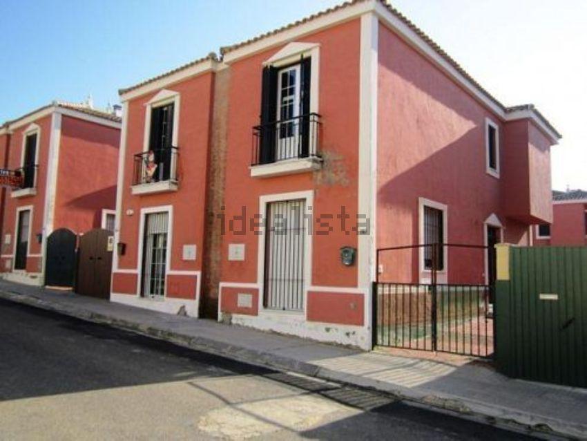 Chalet pareado en calle Velázquez, Burguillos