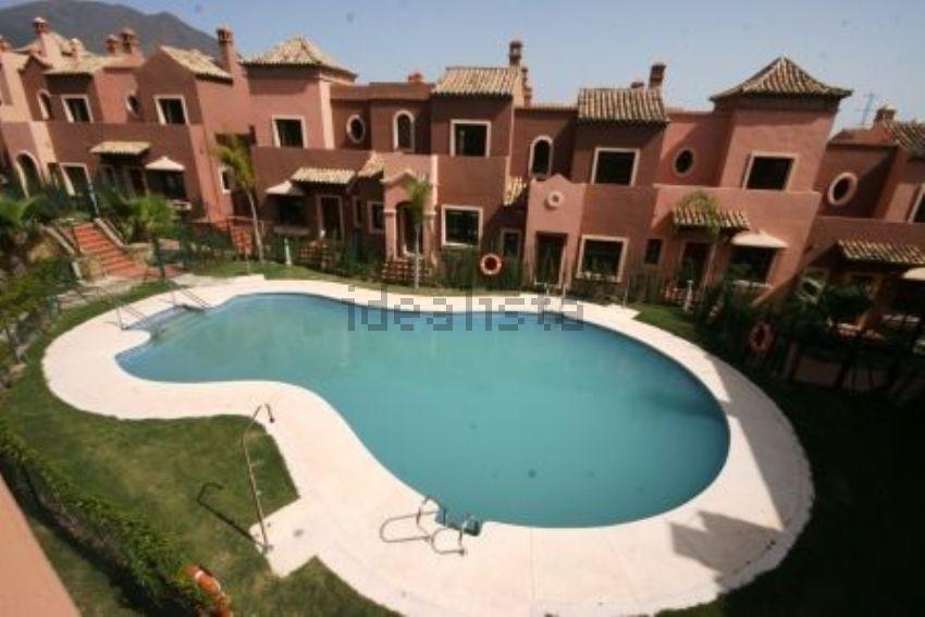 Chalet adosado en Urbanizacion Santa Maria, Valle Romano Golf, Estepona
