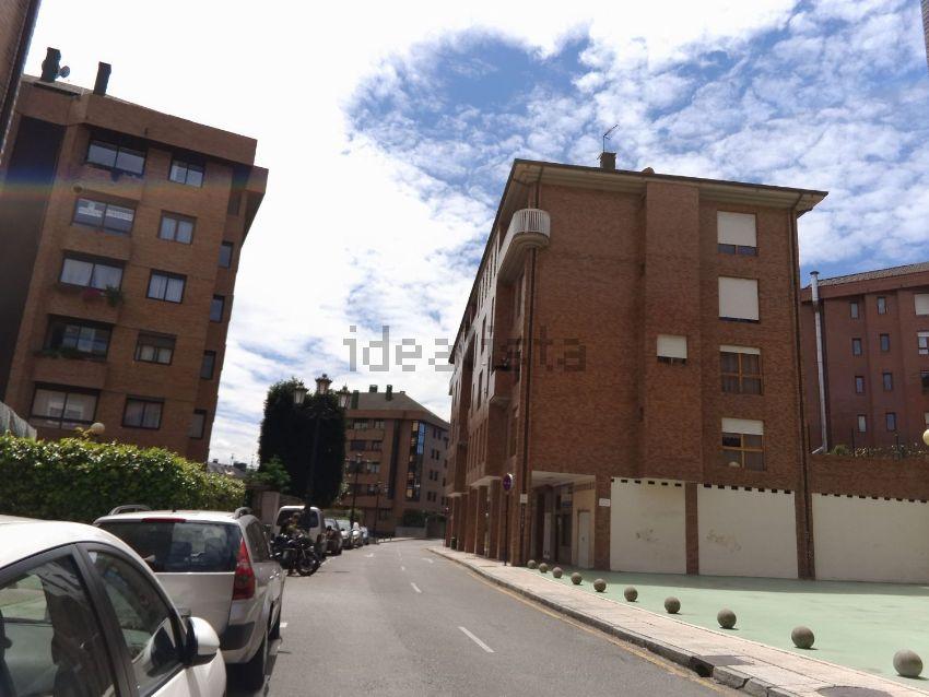 Piso en calle manuel estrada, 6, Montecerrao, Oviedo