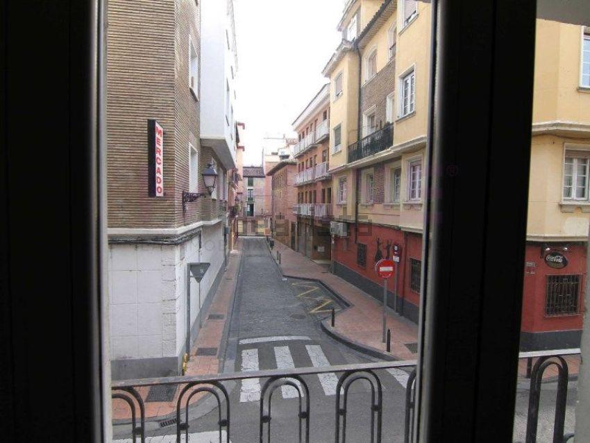Piso en calle de cantín y gamboa, La Magdalena, Zaragoza