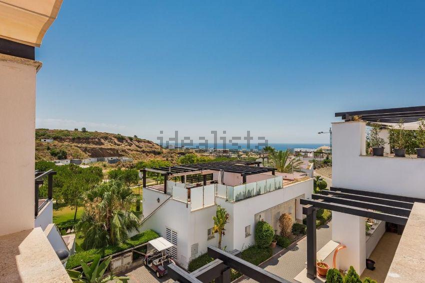Chalet adosado en urbanizacion santa clara golf, Santa Clara, Marbella