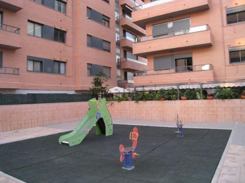 Piso en calle Genaro la Huerta, Zona Calle Valencia-La Ermita, Torrent