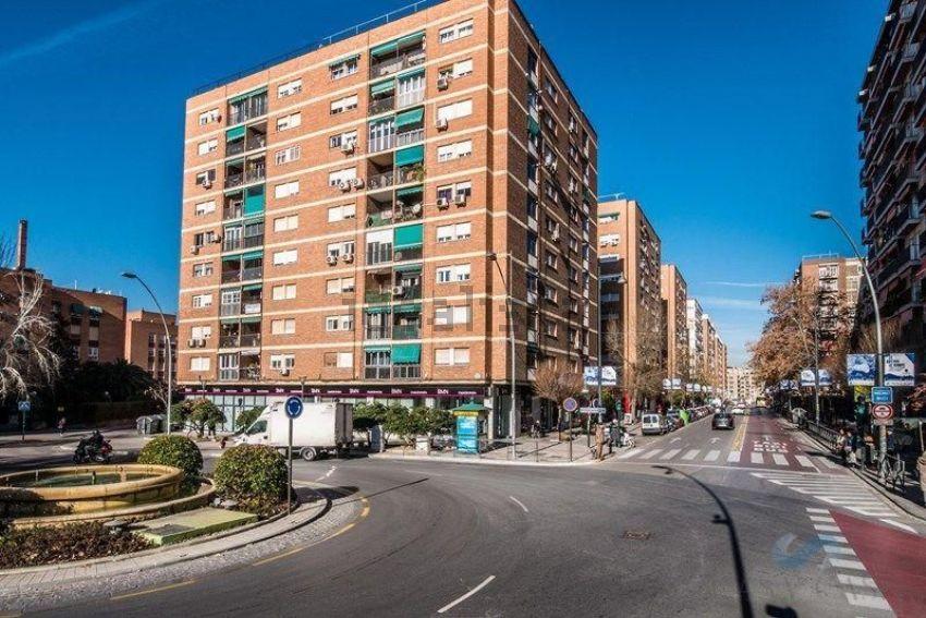 Piso en calle poeta manuel gongora, s n, Cervantes-Palacio de Deportes, Granada