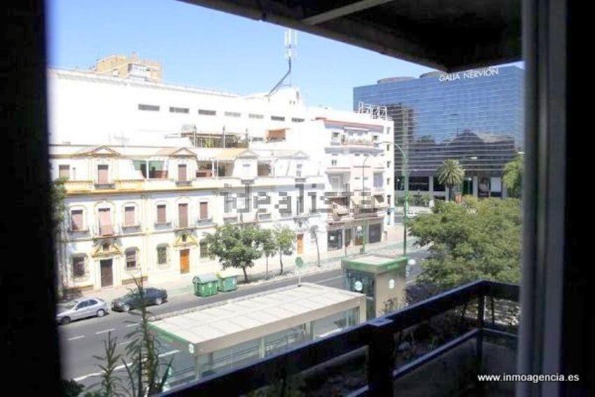 Piso en avenida Eduardo Dato, San Bernardo-Buhaira-Huerta del Rey, Sevilla