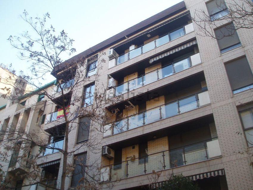 Piso en calle Santa Teresa de Jesús, Universidad San Francisco, Zaragoza