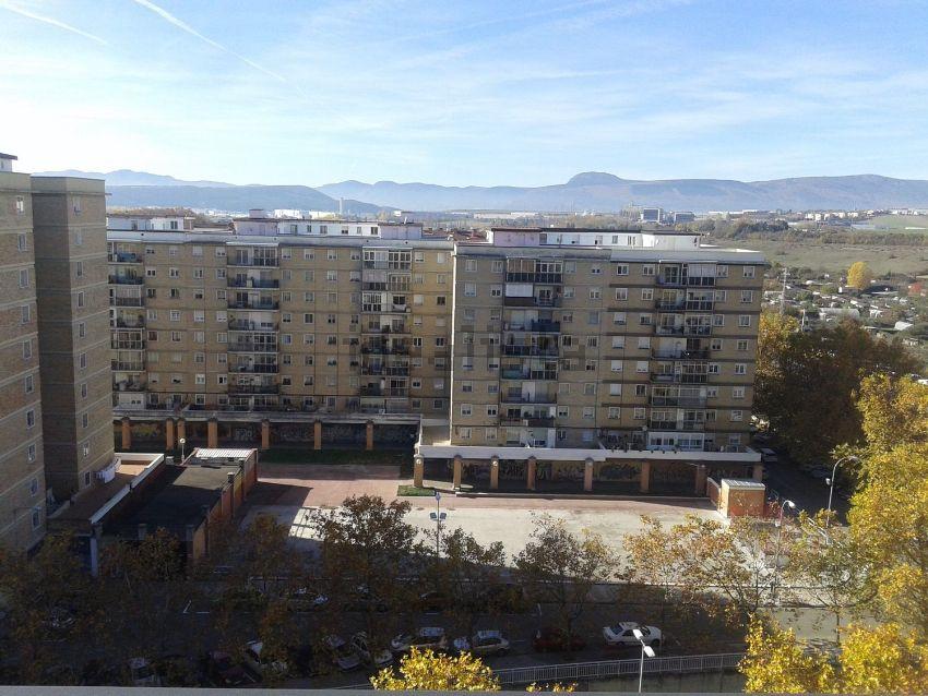 Piso en avenida de Navarra, San Jorge, Pamplona Iruña