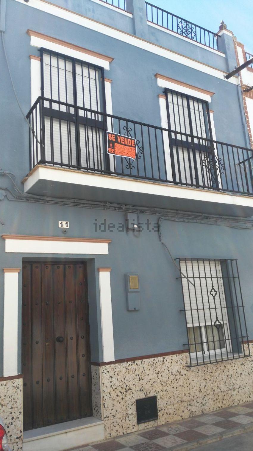 Chalet adosado en calle nardo, 11, Cantillana