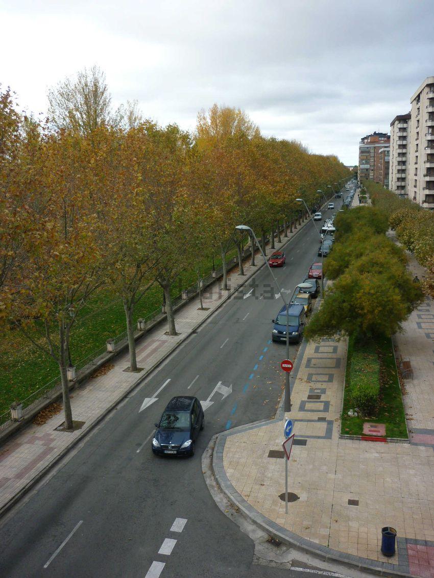 Piso en avenida Arlanzón, 36, Centro, Burgos