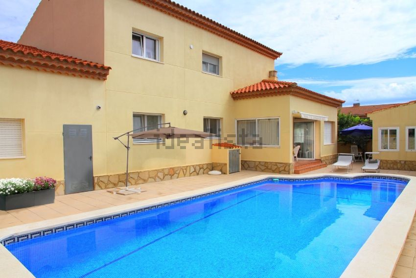 Casa o chalet independiente en calle Huelva, Centro, Mont-Roig del Camp