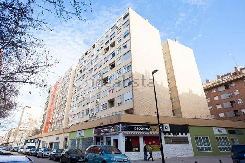 Piso en calle emilio castelar, La Granja, Zaragoza