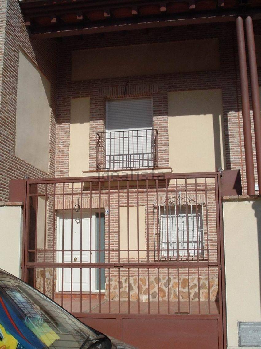 Chalet adosado en calle Cipreces, 8, Villaluenga de la Sagra