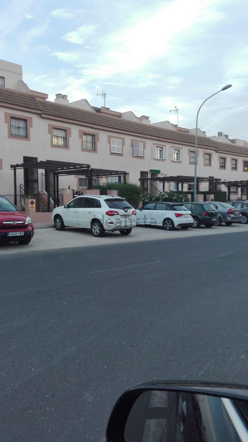 Chalet adosado en calle Osa Menor, La Motilla - Fuente del Rey, Dos Hermanas