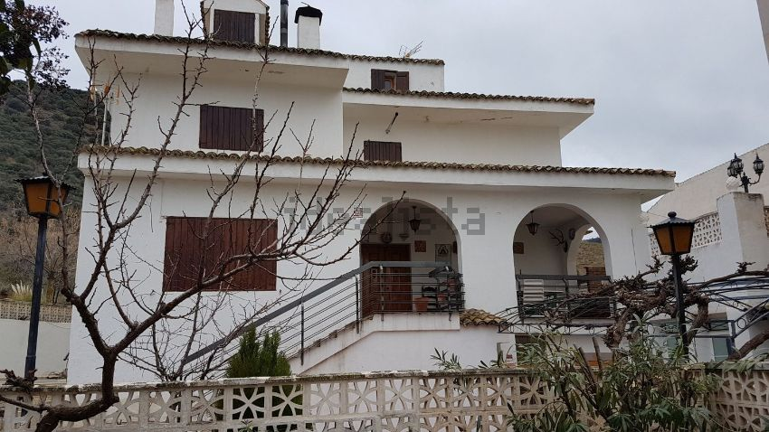 Casa o chalet independiente en avenida de Andalucía, Cambil