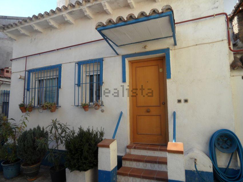 Chalet adosado en calle Don Juan I, San Isidro - Los Almendros, Alcalá de Henare