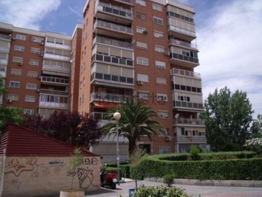 Piso en avenida de los principes de españa, La Espinilla - Parque Blanco, Coslad