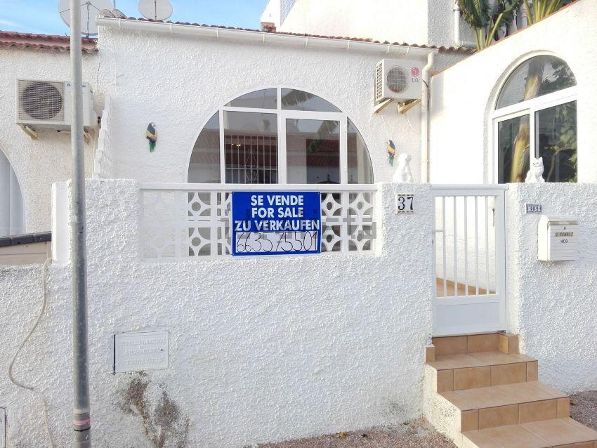 Chalet adosado en calle Liszt, 409, La Siesta - El Salado - Torreta, Torrevieja