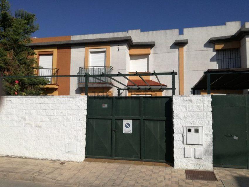 Chalet adosado en Olivares