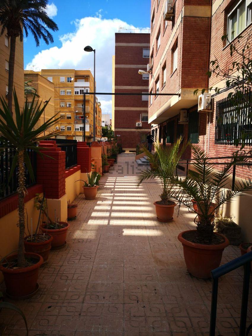 Piso en calle Profesor Escobar Manzano, 43, Zapillo, Almería