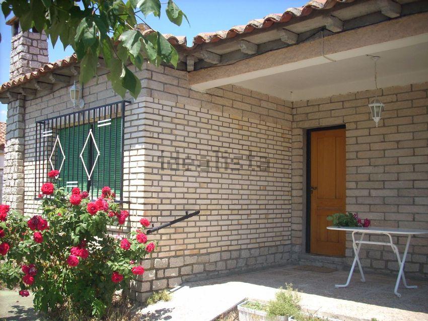 Casa en aldea del fresno finest casa en aldea del fresno for Jardin oriental aldea del fresno
