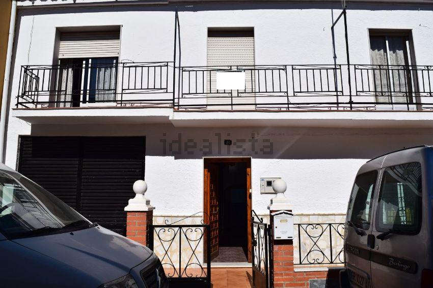 Chalet pareado en calle SAN GREGORIO, Guadix