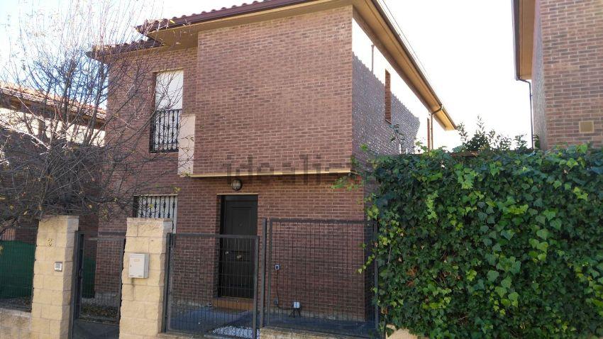 Casa o chalet independiente en calle Clavellinas, s n, Cabanillas del Campo