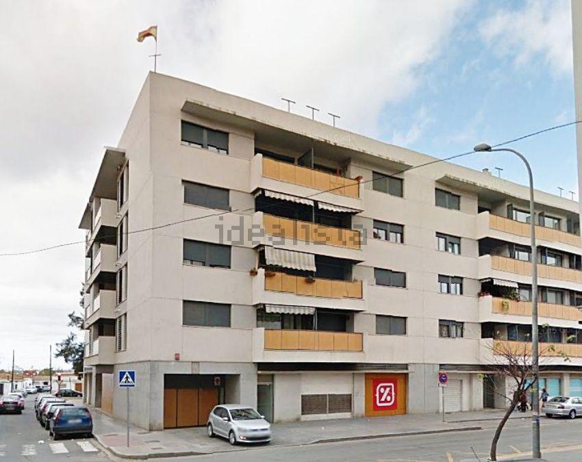 Piso en avenida cristobal colon, Las Colonias, Huelva