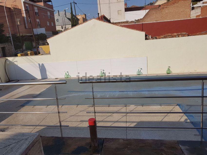 Chalet pareado en calle Isla de Yeso, 35, Peñagrande, Madrid