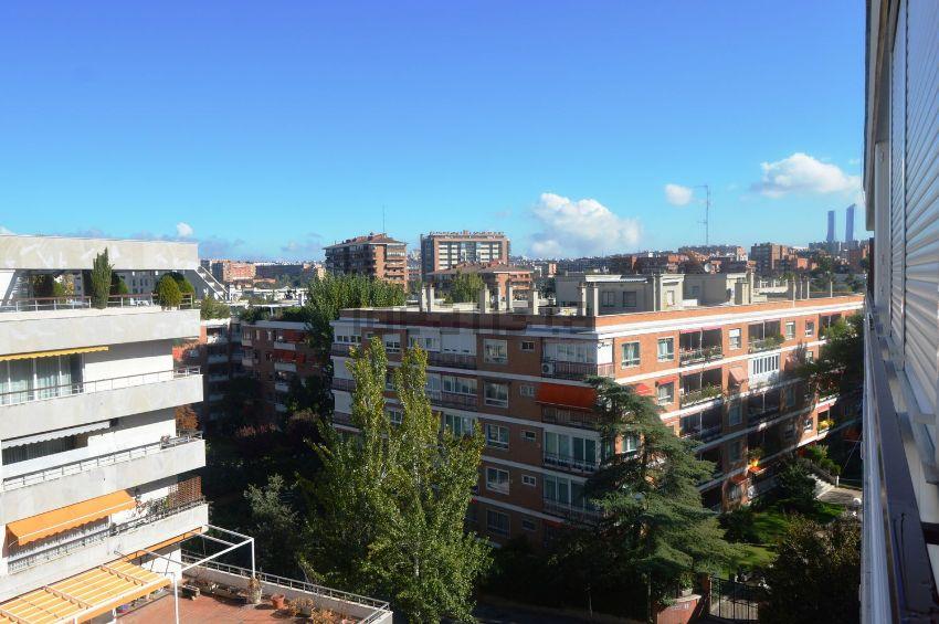 Piso en calle San Martín de Porres, Ciudad Universitaria, Madrid