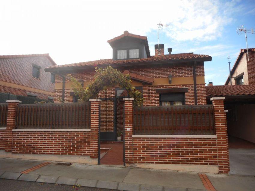 Casa o chalet independiente en calle de Olmos de Esgueva, 1, Renedo