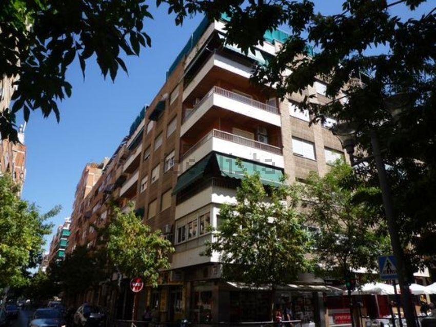 Piso en calle Pedro Antonio de Alarcón, 58, Centro, Granada
