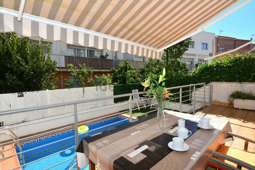 Piscina municipal el vendrell top piso en venta en calle for Piscina el vendrell
