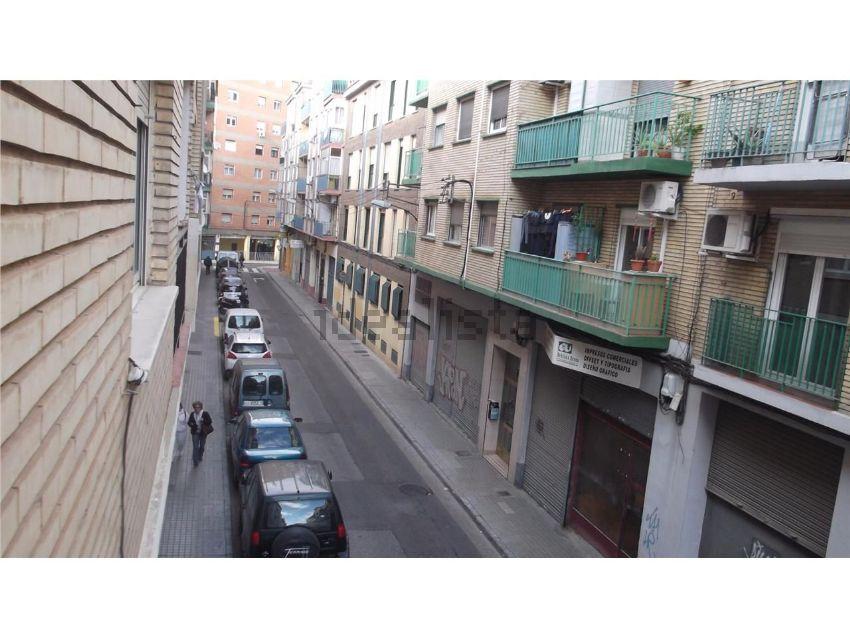 Piso en calle nuestra señora de covadonga, Parcelación Barcelona, Zaragoza